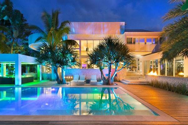 house next to the pool